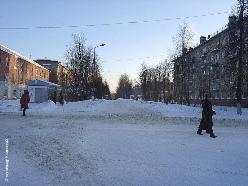Перекресток Пионерской с улицей Ленина, февраль 2003 года