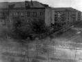 Справа дом №5А по Пионерской и дома на ул. Строителей, 1970-е годы