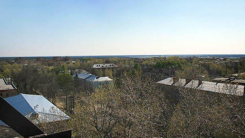 Снимок сделан с водонапорной башни, которая находилась западнее проходной НИИ Геодезия.