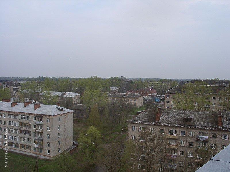 Вид на проспект Ленина, май 2002 года. Еще не сгорел деревянный дом на ул. 8 марта