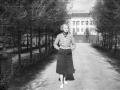 """В парке за """"штабом"""", на заднем плане дом №25/2 на проспекте Испытателей), 1960-е годы"""