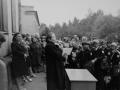 Торжественная линейка в школе №3 на 1 сентября 1985 года, выступает директор школы Каменская Екатерина Филипповна