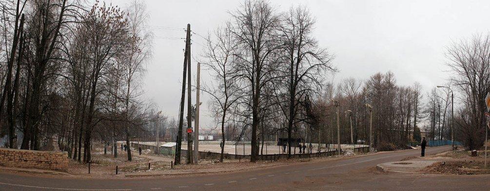 Хоккейная площадка клуба Юность на Спортивной улице, в 2013 году на этом месте построили дом, 2007 год