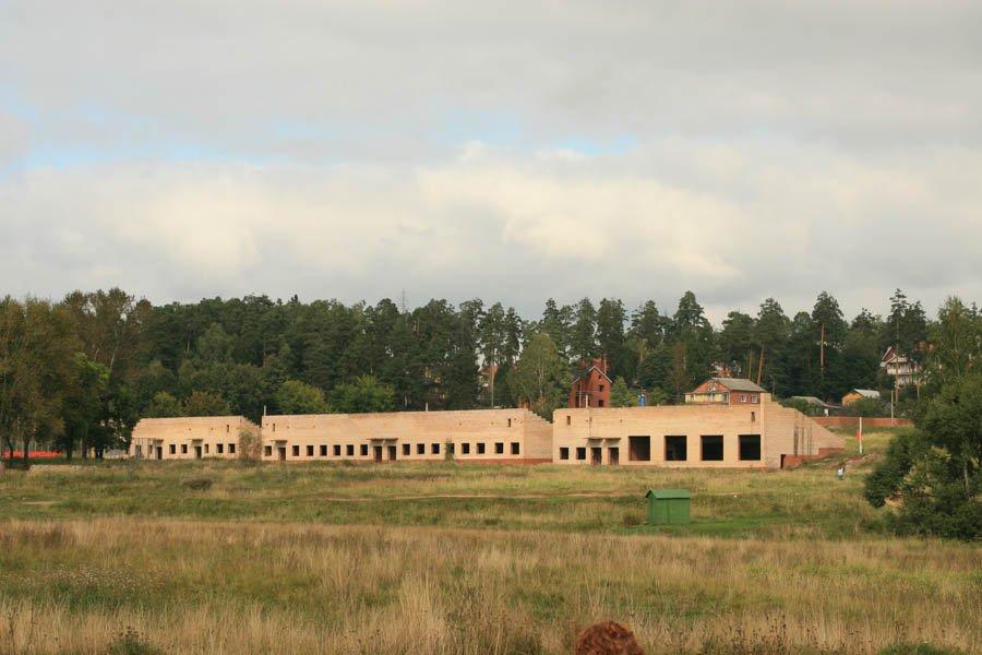 Вид на недостроенный стадион, 2006 год