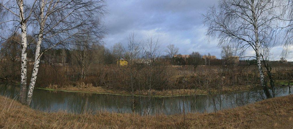 Так сегодня выглядит место, где стоял первый мост от Путилово к поселку полигона в Низочке, 2006 год