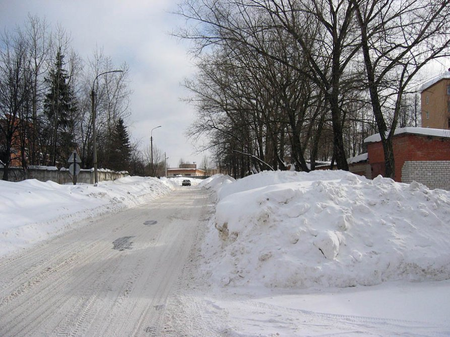 Улица Дачная после сильного снегопада, 2005 год
