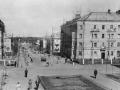 На снимке 1960-х годов перекресток улицы Горького и Комсомольской, обратите внимание на забор, отгораживавший полисадники от проезжей части.