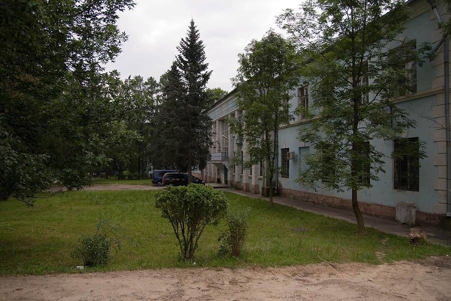 Из медицинского учреждения здание штаба перепрофилировали в офисное здание, 2008 год