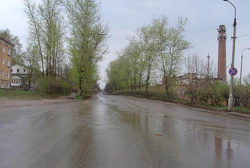 Проспект Испытателей, в этом месте располагались въездные ворота на полигон, сентябрь 2003 год