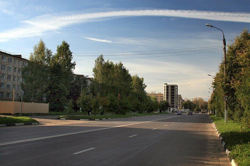 Проспект Испытателей в Красноармейске (бывшая Восточная улица), 2006 год