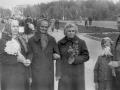 Горожане на майской демонстрации, улица Восточная, справа на фото Зоя Васильевна Титова, 1980-е годы