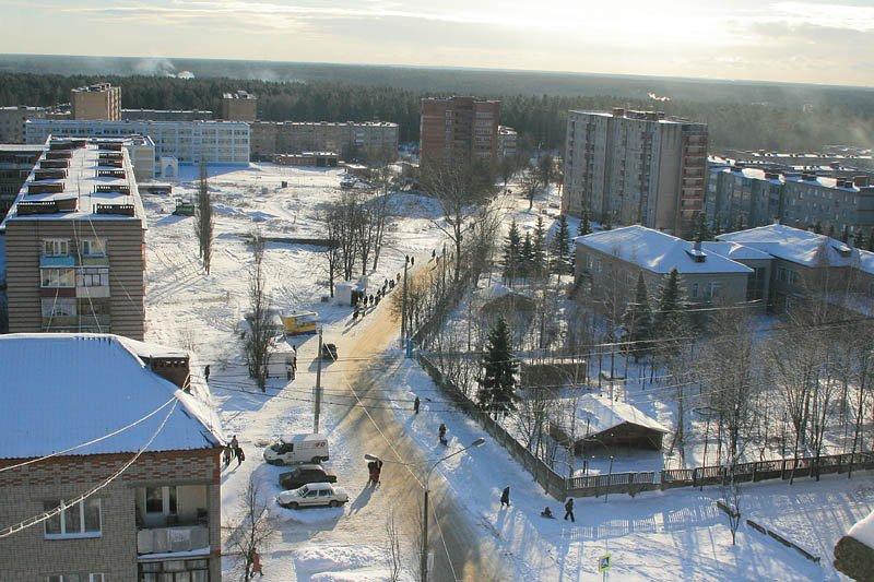 Микрорайон Северный, по сохранившимся деревьям можно понять, как шла раньше прямая улица Октябрьская, 2007 год