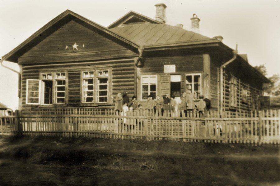 Детский дом для беспризорных детей находился в районе дома №19 на улице Лермонтова, 1920-е годы