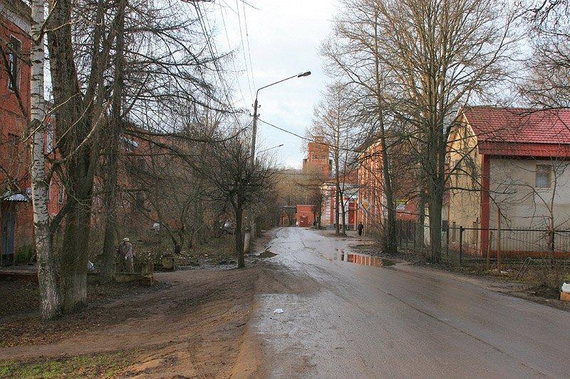 Вид на улицу Свердлова к фабричным воротам, 2006 год