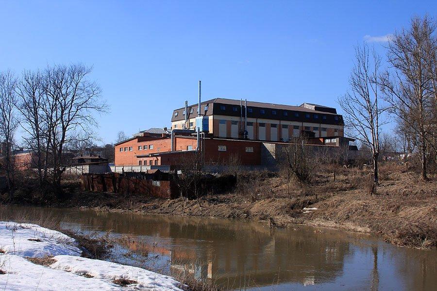Вид на улицу Свердлова и бывшую баню, 2008 год