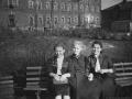 Во дворе Егорьевской казармы. Мы считаем, что снимок сделан в 1950-х годах