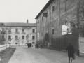 Бывший склад (справа) и Владимирская казарма, перекресток улиц Лермонтова и Свердлова, 1960-е годы