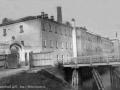 Ворота и мост на фабрике, начало XX века
