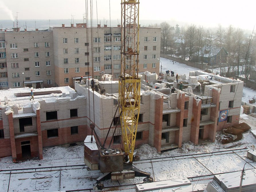 Строительство дома №19 по улице Морозова, январь 2005 года