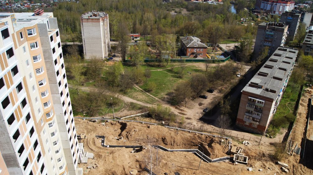 Вид с новых домов на улицы Морозова и Краснофлотская, 2015 год