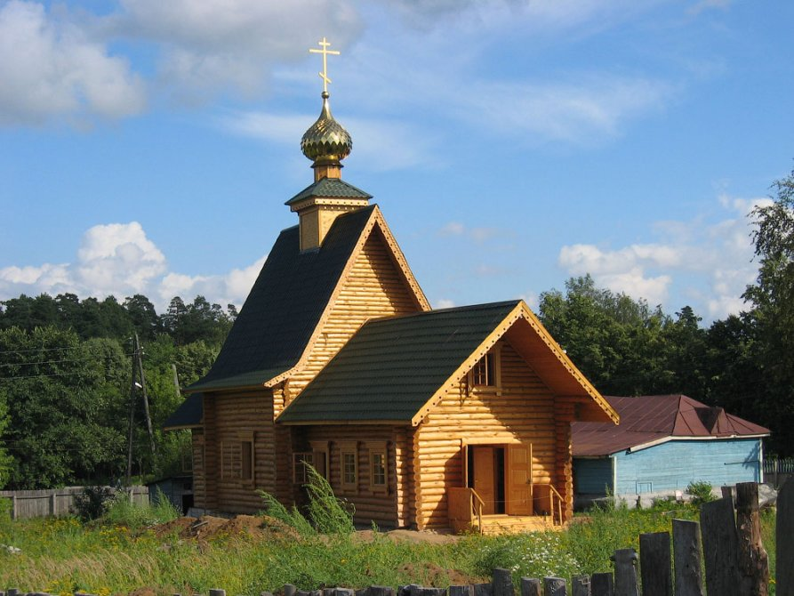 Строительство Вознесенского храма Красноармейска, 2002 год
