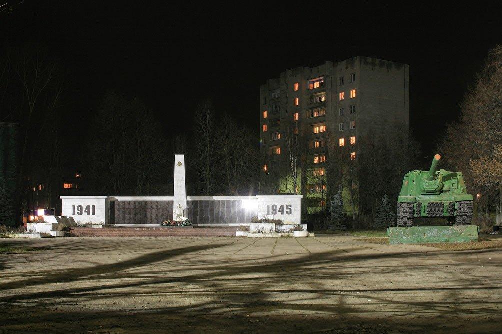Ночная площадь Победы, 2008 год