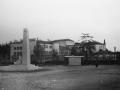"""До середины 80-х годов остановка автобусов располагалась прямо рядом с """"Парижем"""" и монументом, 1970-е годы"""