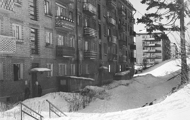 Дома на улице Гагарина, 1980-е годы