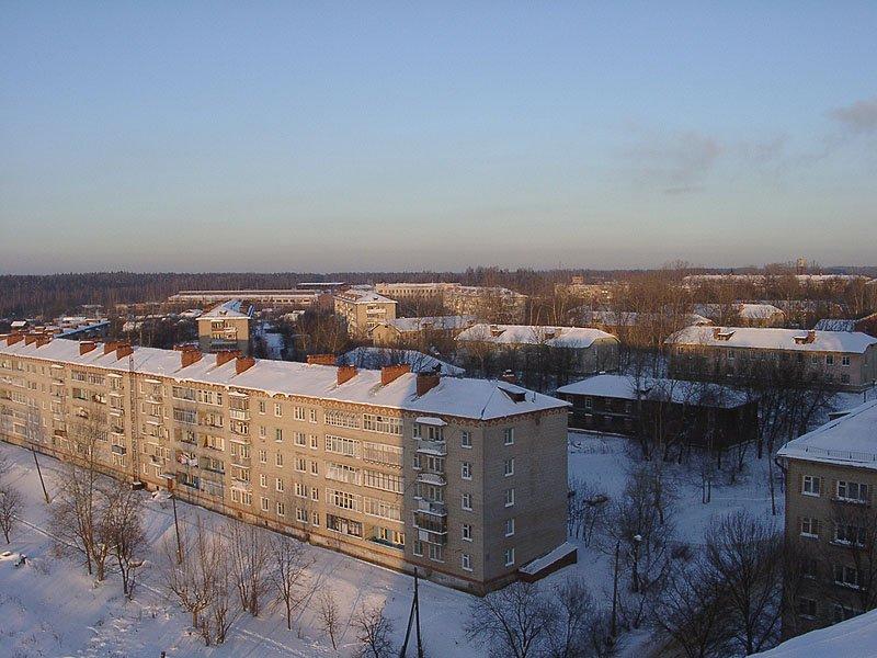 Дом №11 по улице Гагарина и дома на улице Дачной и 8 марта