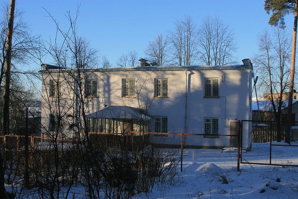 Технический корпус - в нем находились административные кабинеты, прачечная, кухня.