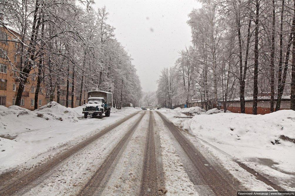 Снег в городе, проспект Испытателей, апрель 2011 год