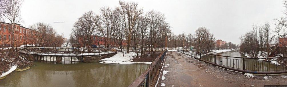 Панорама плотины, апрель 2011 года