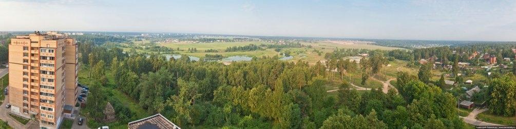 Панорама с улицы Гагарина на реку Ворю и низочек, июль 2011 года