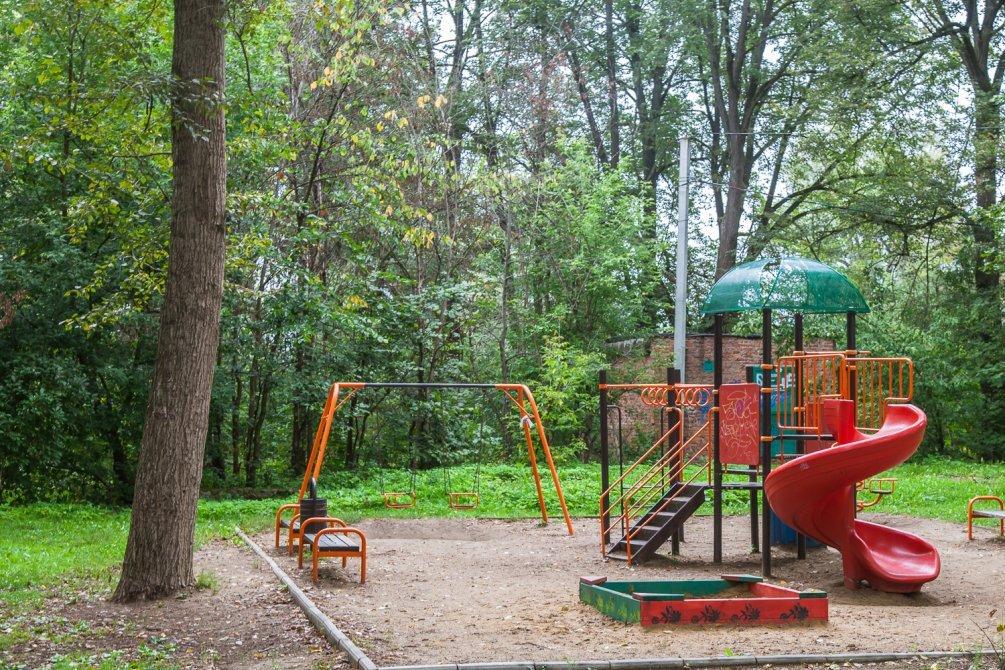 Новая детская площадка на Чкалова, август 2014 года