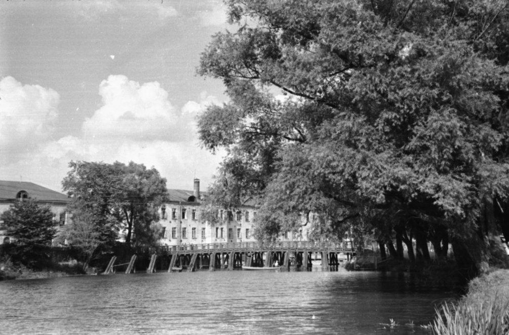 Деревянный мост в районе городской плотины, 1950-е годы