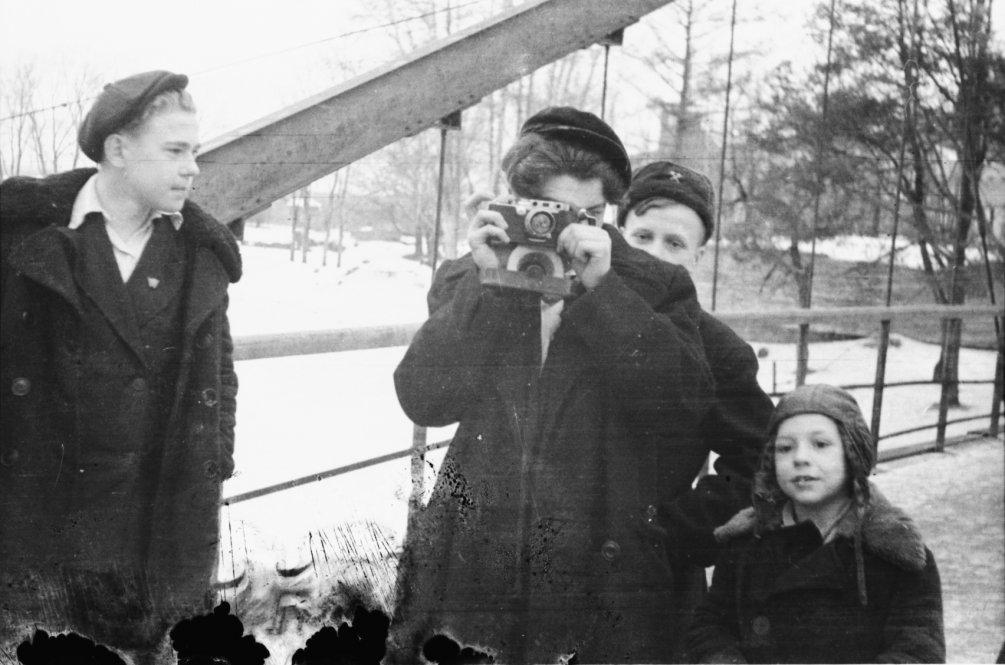 Ребята на Висячем мосту, 1950-е годы