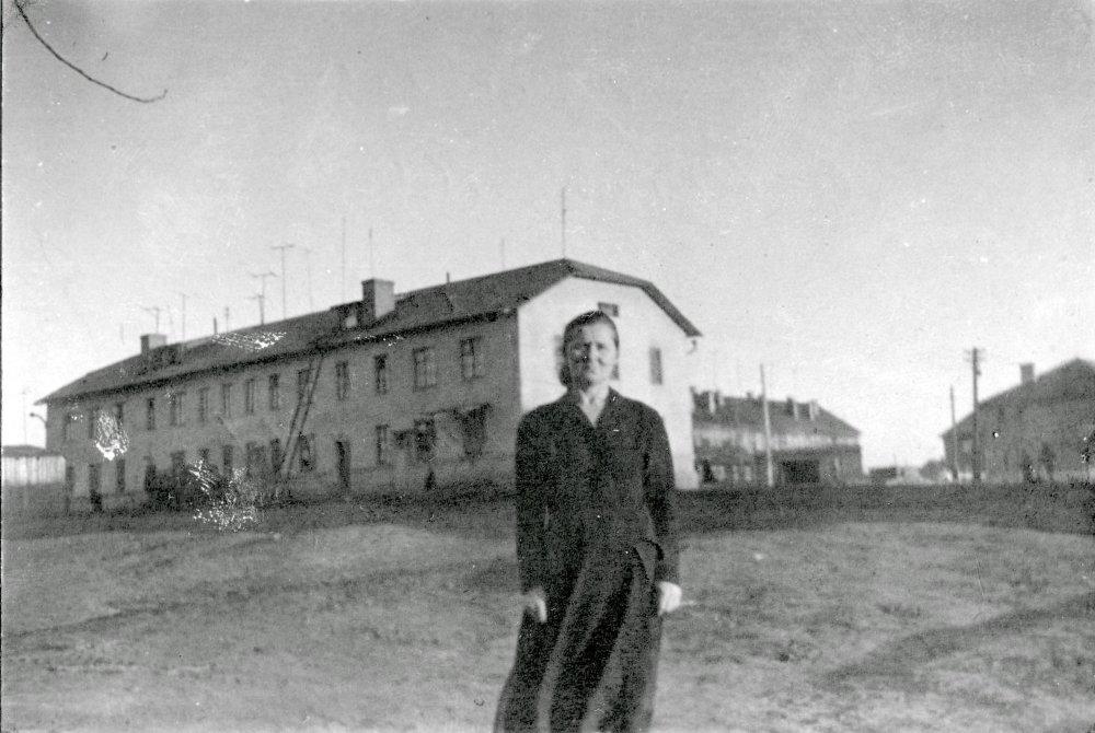 Дом 8А по проспекту Ленина на заднем фоне, 1960-е годы