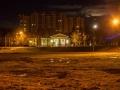 ДК Ленина и громада дома по ул. Спортивной 12 лунной ночью, 2015 год