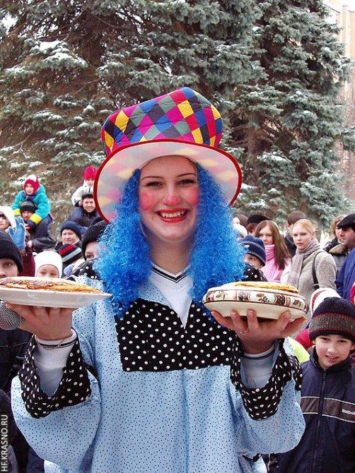 Проводы зимы на площади у ДК им. Ленина, 2004 год