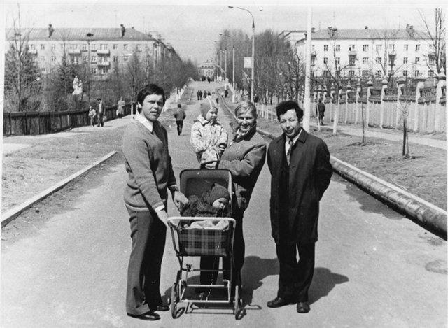 На прогулке у стадиона Зенит, 1970-е годы