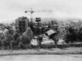Вид на Стадионную улицу, на заднем плане строится дом №7 по проспекту Испытателей, 1970-е годы