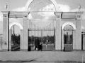 Деревянные входные ворота на стадион с Комсомольской улицы, 1960-е годы