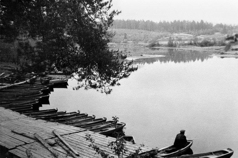 На старой лодочной станции полигона, 1970-е годы