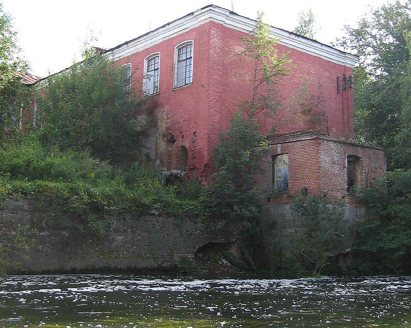 Отбельная казарма и городская плотина, 2006 год