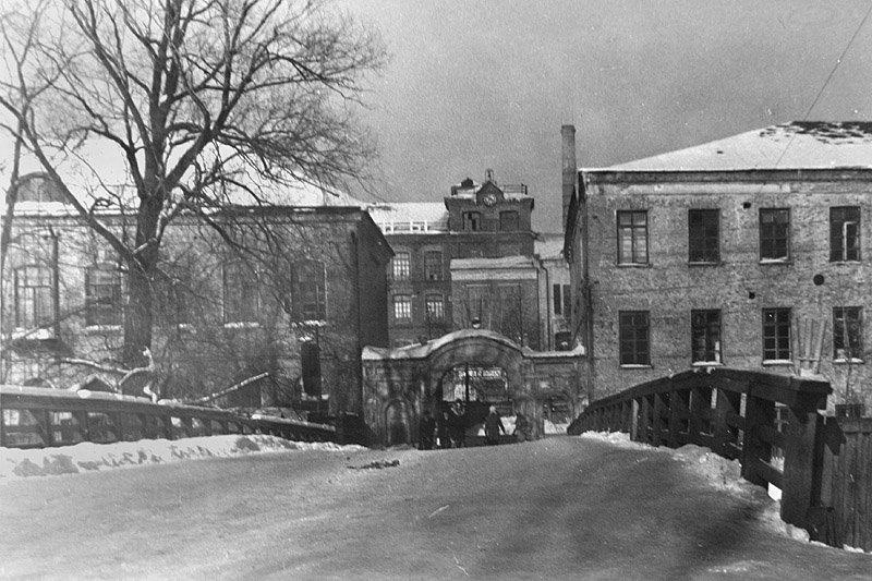 Мост через Ворю около городской плотины, 1960-е годы