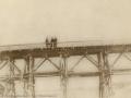"""Горожане на """"Болгарском"""" мосту через Ворю, предположительно 1950-е годы"""