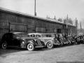 Гараж Софринского артиллерийского полигона (сейчас НИИ Геодезия), 1940-е годы, легковые автомобили ЗИС-101 на переднем плане и ГАЗ-М1
