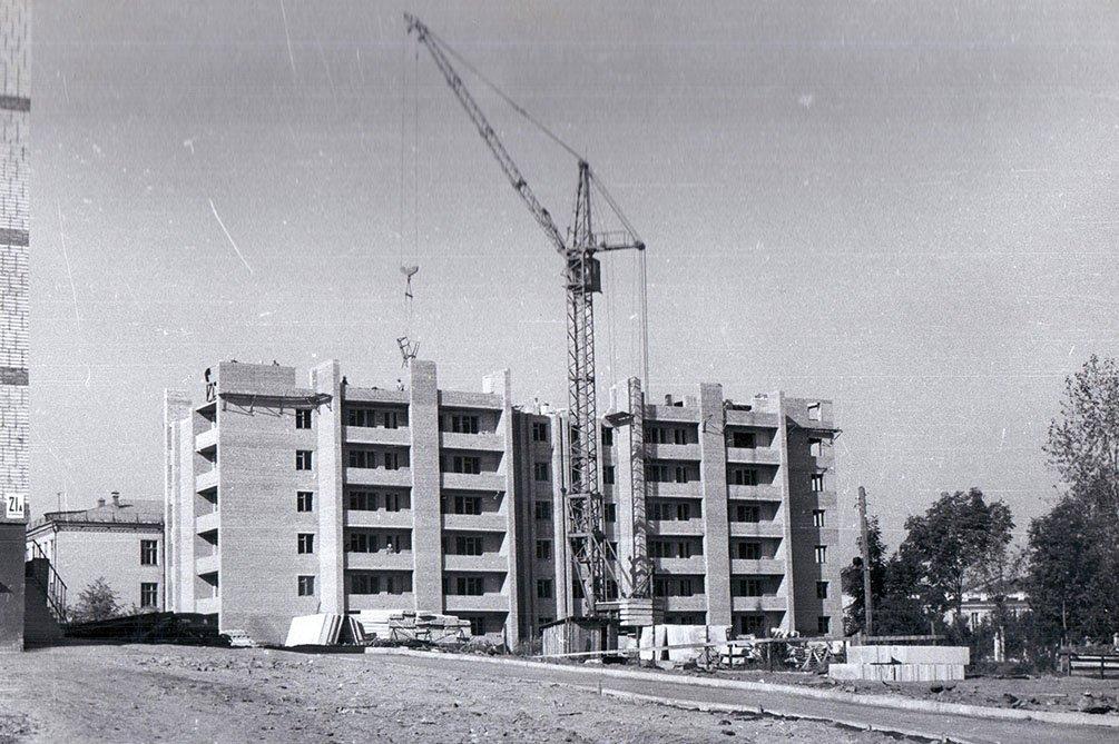 Строительство дома 17 в микрорайоне Северный, 1970-е годы