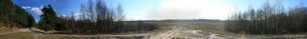 Панорама долины реки Вори, здесь находилась конечная у пути УЖД на болото