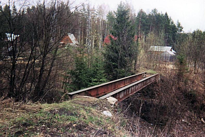 Бывший мост УЖД через ручей около ЛЭП